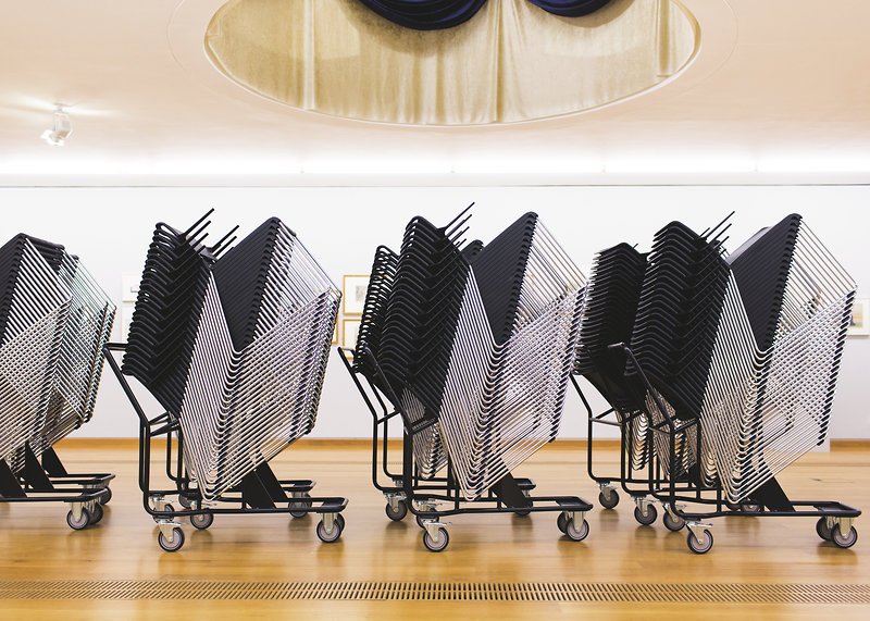 wilkhahn exhibition on ingenious stackable and row chairs. Black Bedroom Furniture Sets. Home Design Ideas