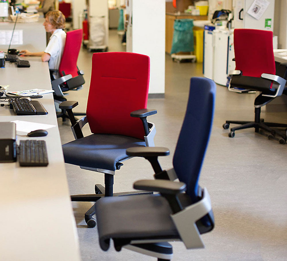 Hospital With Healthy Wilkhahn Furniture